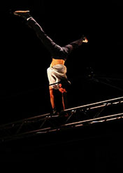 Recherche-Innovation technique au Centre national des arts du cirque (Cnac) Double-fil rotatif, conception de Quentin Claude, 26e promotion du Cnac